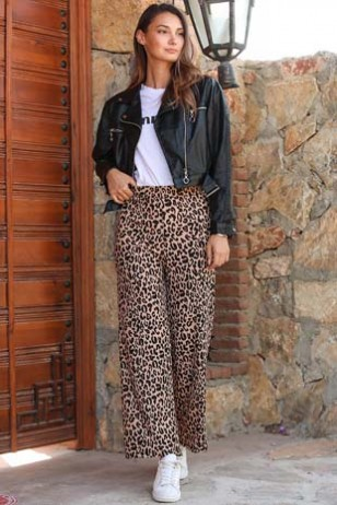 Leopard Patterned Loose Tights
